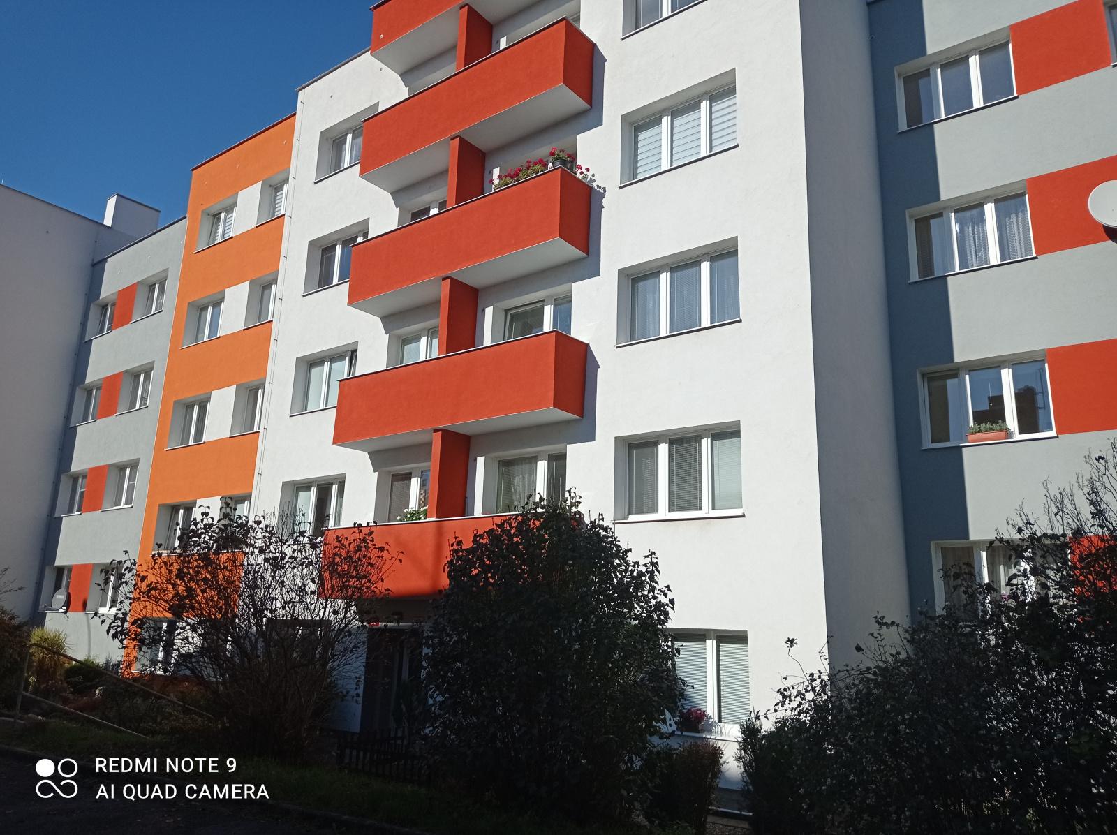 Pronájem, byt 1+1+B, 34m2, ul. Na Okraji, Plzeň - město