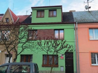 Pronájem 2+kk v RD se zahradou, 56m2, ul. Zábělská, Plzeň - město